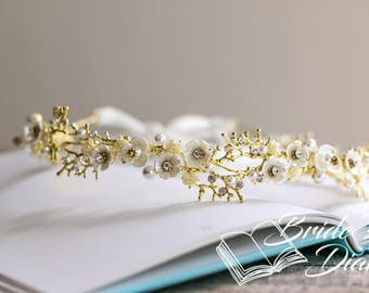 Wedding hair jewelry, gold leaves with pearls and rhinestones, bridal wreath, wedding hair vine gold