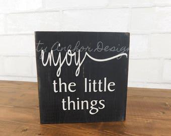 enjoy the little things - bookshelf block