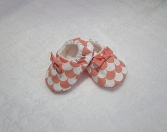 Soft cotton 0-3 month baby booties and blanket fabric