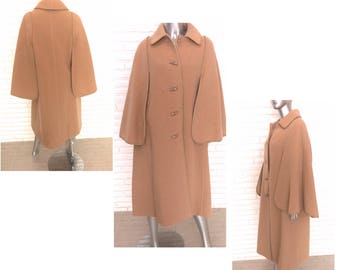 Vintage Women's Camel Cape Size Medium Large Sherlock Swing Coat by Golden Gate Caplet