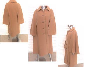 Vintage Women's Camel Cape Size Medium Large Sherlock Swing Coat by Golden Gate