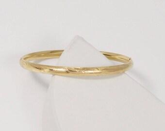 14k Yellow Gold Diamond Cut Incised Bangle Bracelet 6.5'' Around(01193)