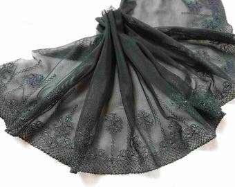 Very soft black embroidered lace Ref 2503 1.5Mx23cm