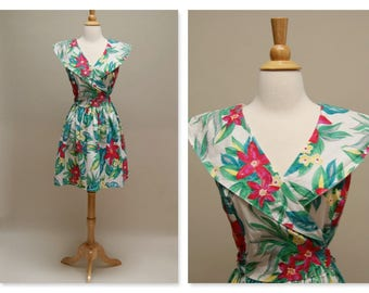 Vintage Floral Dress/1980s Short Cotton Dress/Summer Surplice Shawl Collar Dress