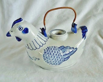 Vintage Blue White Porcelain Ceramic Chicken Hen Teapot