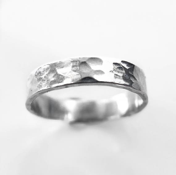 Hammered Stacking Ring / Hammered Silver Ring / Hammered Pattern Ring / Promise Ring / Silver Stacking Ring / Stacker Ring /Womens Ring
