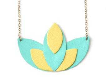 Pia light green and yellow necklace