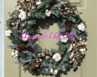Cotton and pine cones Christmas wreath