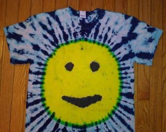 Med. Smiley face tie dye t-shirt