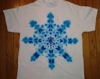 L Snowflake Mandala Tie Dye t-shirt