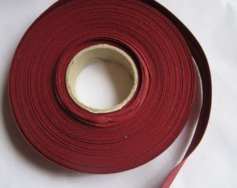 PLAIN MAROON FABRIC TO SEW