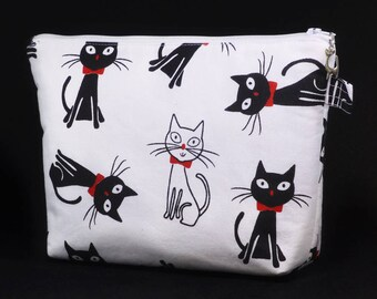 Cat with red bow wash bag