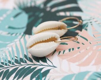 Earrings cowrie / sea shell dangle earrings / shell earrings