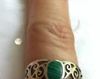 ON SALE Vintage .925 Sterling Silver Scrollwork Round Malachite Ring Size 4.75