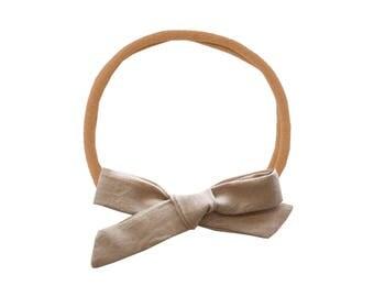 Schoolgirl Bow or Pigtail Set /// Latté