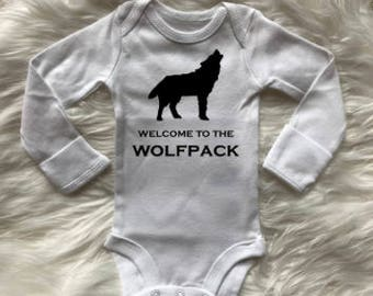 Welcome to the wolfpack bodysuit,coming come outfit, boy bodysuit, girl bodysuit,boho bodysuit, shower gift, baby boy bodysuit