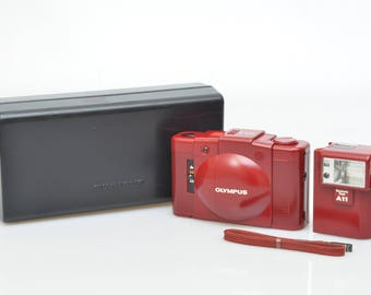 Olympus XA2 D.Zuiko 3.5/35mm Point&Shoot Film Camera + A11 Flash Tested Rare Red