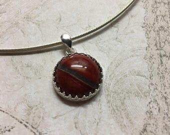 Necklace in Silver 925/1000 semi-rigid and Red Jasper semi-precious stone.
