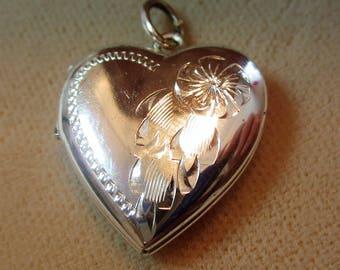 Sterling Silver EL 925 Heart Shaped Locket PendantJewelry