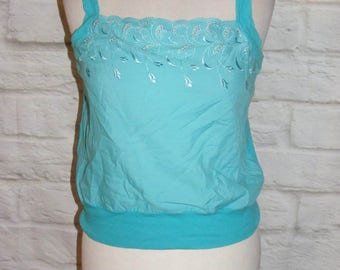 Size 8 vintage 80s loose embroidered cutout strappy cami top turquoise (HH38)
