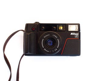 Nikon L35AF3 - OneTouch - 35mm f/2.8 - Film Camera