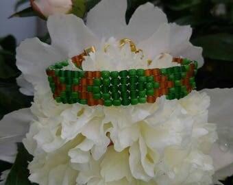 Beaded bracelet, bead jewelry, green bracelet, woven bead jewelry