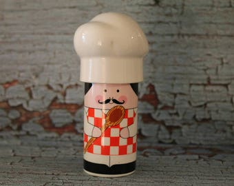 Vintage Chef salt & pepper shakers