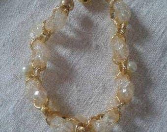 Ecru mesh and gold chain bracelet