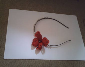 "headband ""duo of pins and red flower"""