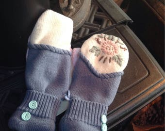 Mix matched sweater mittens, ladies medium