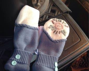Mix matched sweater mittens, ladies medium