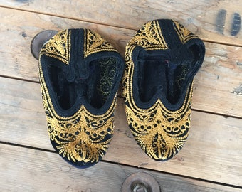 Vintage Slippers, Cashmere Slippers, Cloth Slippers, Black Slippers, Black Cashmere, Decorative Slippers, Old Black Slippers