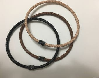 Leather choker with magnet clasp