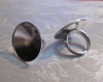 a matte silver adjustable round ring medium 25 mm cabochon
