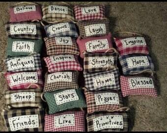 Primitive pillow bundle
