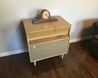 Gorgeous blonde Silvertone Hi-Fi console record player radio Pick up Kings Park