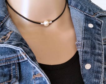Simple Single pearl Choker, Pearl Leather Necklace for Women, Bohemian Casual Pearl Necklace, Pearl Charm Choker, Dainty Choker, Collars