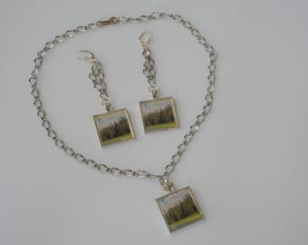 Evergreen Forest Necklace and Earrings Set