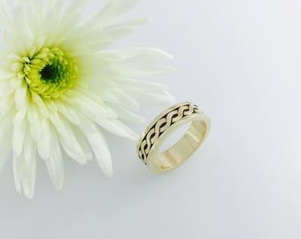 5mm Celtic love knot wedding band, 9ct Gold celtic ring. Totally handmade.