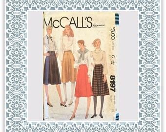McCalls 8197 (1982) Misses' skirts - Vintage Uncut Sewing Pattern