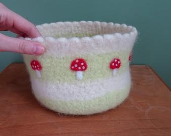 felted basket, breadbasket, nursery decor, organizer, childroom decor, fly agaric, storage basket, playroom decor, baby gifts, mushrooms
