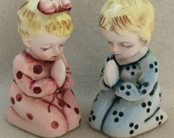 Salt and Pepper - Praying Boy and Girl (#068)