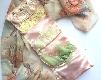 Vintage Handkerchief Holder