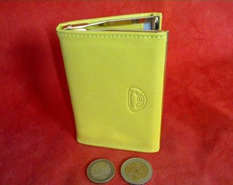 coin purse with lime with clasp color: 2 compartments pieces + bills folded in lime color soft calfskin leather