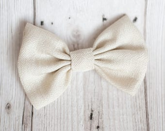 Dog Bow Tie | Pattern Ivory Bow Tie | Wedding Bow Tie | Christmas Bow Tie | Formal Bow Tie | Gift For Pet | Luxury Dog Gift | UK | Bowtie