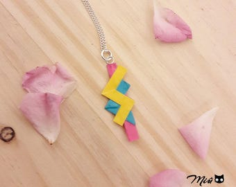 "Necklace with ""Lightning FFXIII"" origami colored version [made]"