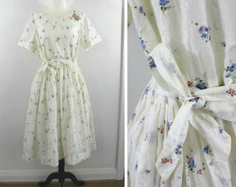 Garden Party Dress - 50s white eyelet and floral dress with belt, large-xlarge
