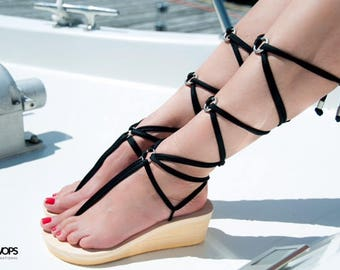 Interchangeable Travel Wedge Sandals (with Black pair and White pair of Laces)
