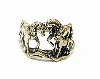 Very Neat Sterling Silver Horse Ring