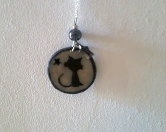 round glow cat and star pendant